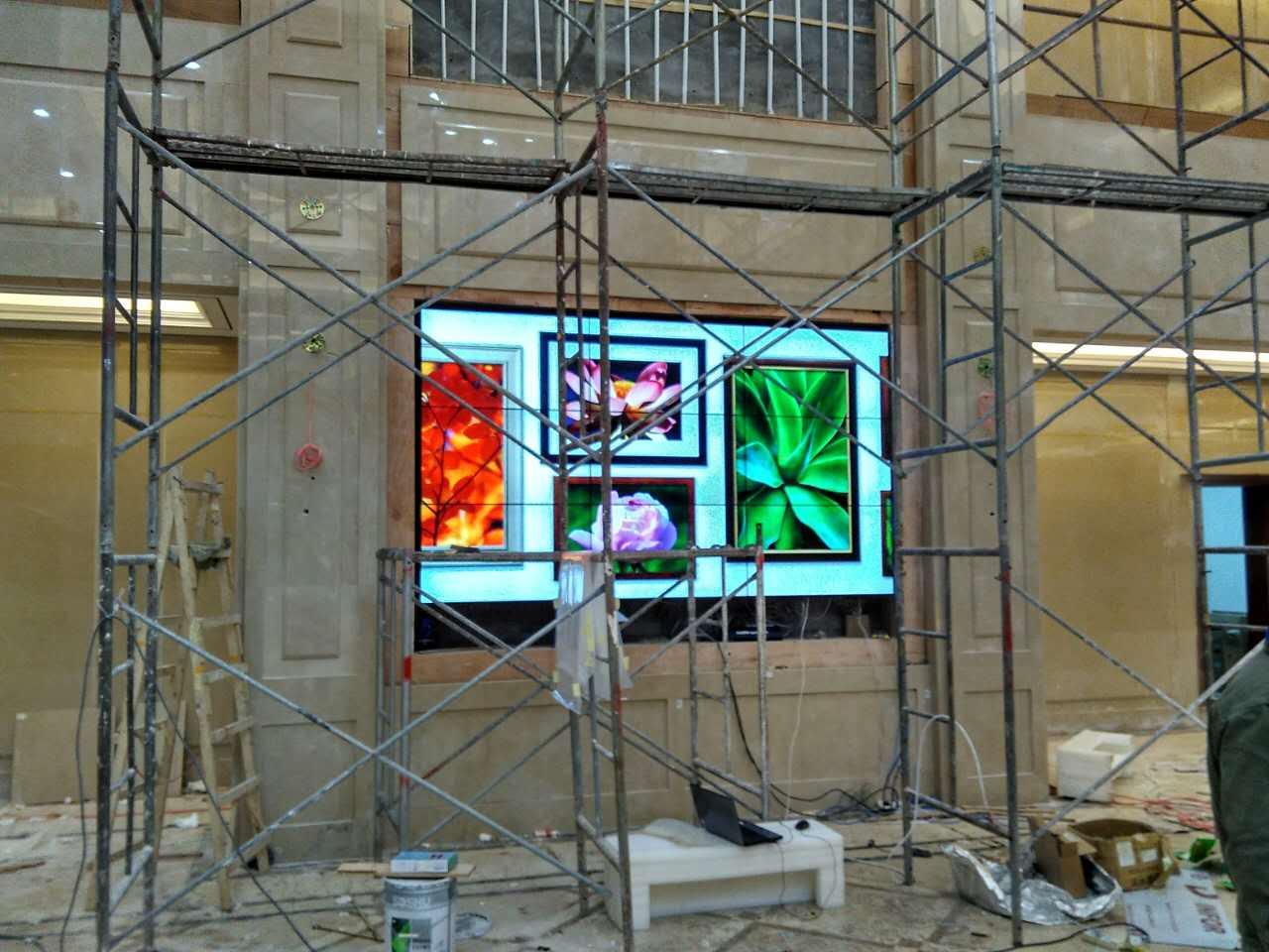 重庆某地产公司展厅3x3拼接